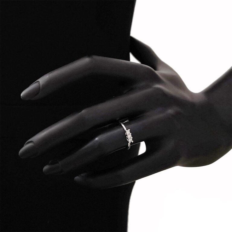 Anello Trilogy Artlinea in Oro Bianco con Diamante - AD079-LB